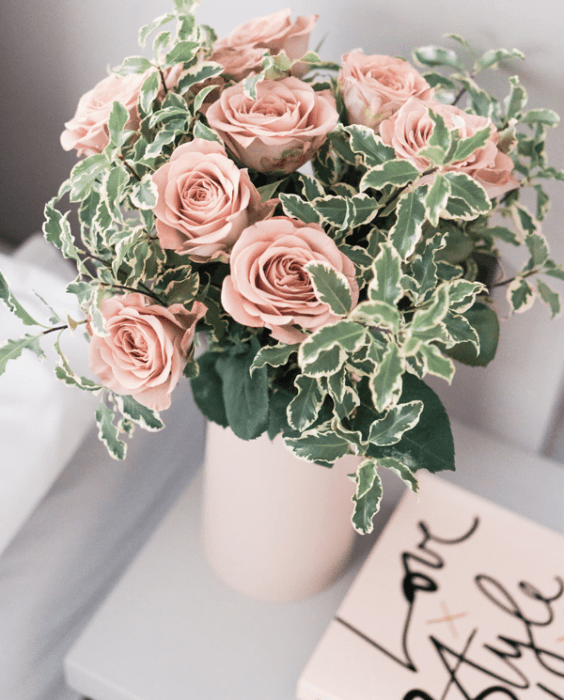 Blush roses and note card