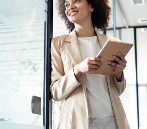 5 Areas Elegant Women Manage Like a CEO